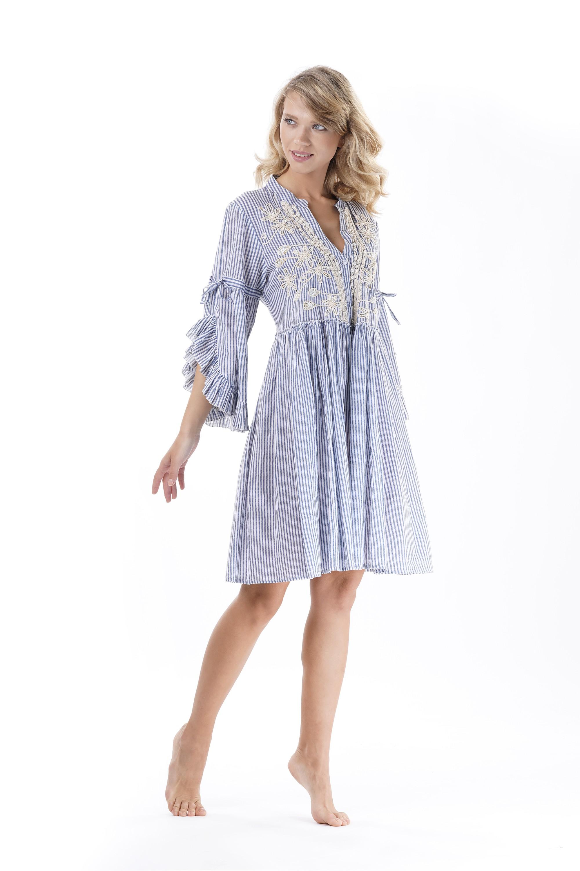 17c709c8a2cc3ba Пляжное платье для девушки, в полоску с вышивкой и рукавами 3/4 Iconique IC9 -055