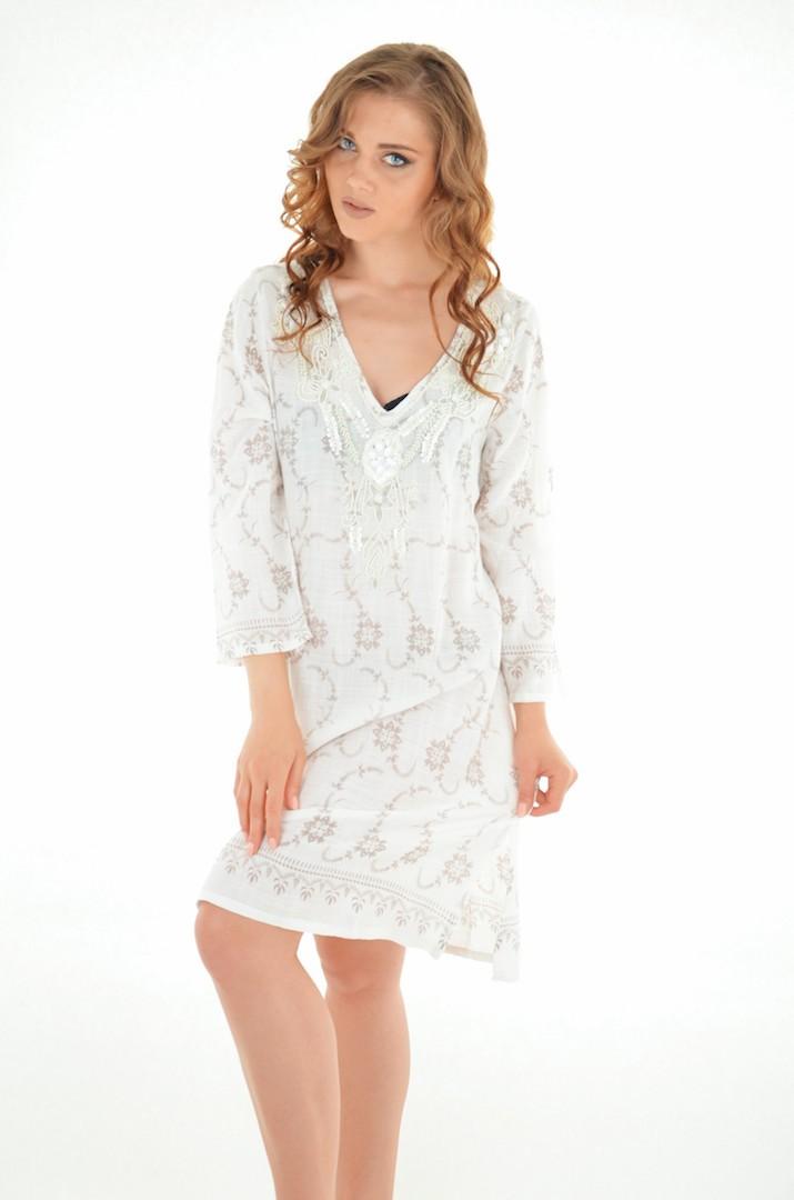 477ac379f7c Белое пляжное платье до колен с рукавами 3 4 и вышивкой из бисера и ...